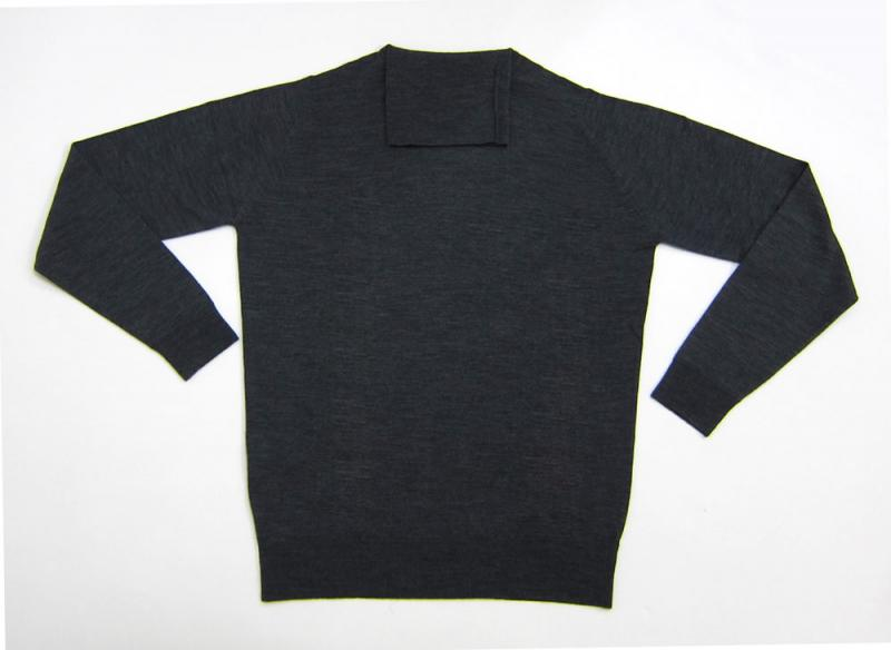 JOHN SMEDLEY (Pullovers in Charcoal)